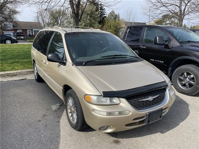 2000 Chrysler Town & Country Limited (Stk: 16018C) in Hamilton - Image 1 of 4