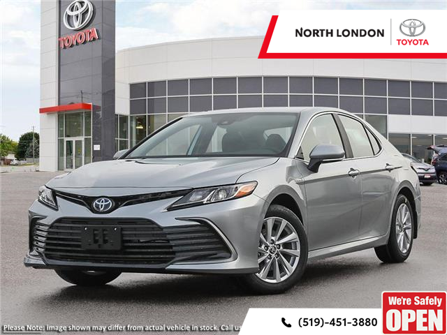 2021 Toyota Camry Hybrid LE (Stk: 221258) in London - Image 1 of 24