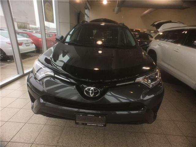 2018 Toyota RAV4 LE (Stk: 698606) in Brampton - Image 2 of 5