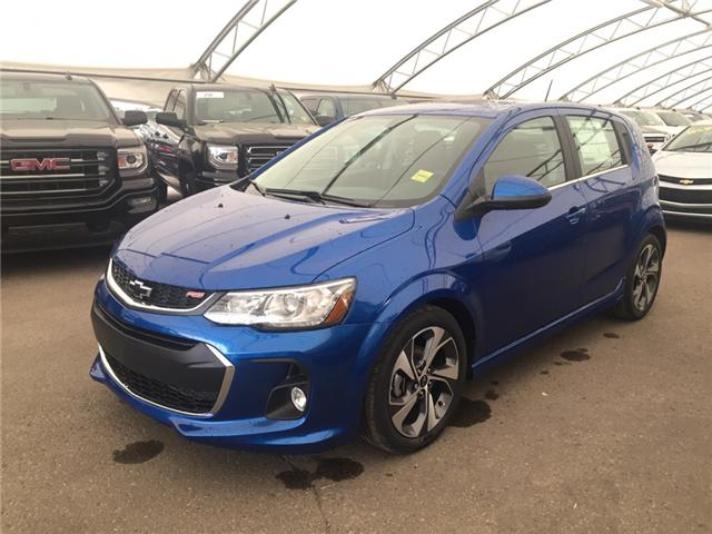2018 Chevrolet Sonic LT Auto (Stk: 158041) in AIRDRIE - Image 1 of 22