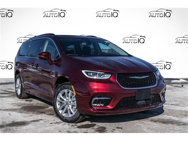 2021 Chrysler Pacifica Touring (Stk: 34824) in Barrie - Image 1 of 27