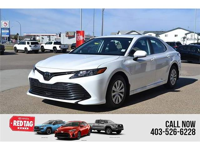 2020 Toyota Camry LE (Stk: B18990) in Medicine Hat - Image 1 of 21