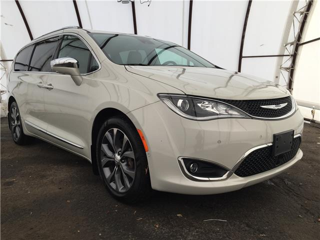 2017 Chrysler Pacifica Limited (Stk: D8748A) in Ottawa - Image 1 of 30