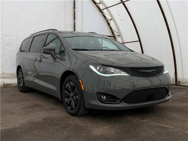 2020 Chrysler Pacifica Hybrid Limited (Stk: 200350) in Ottawa - Image 1 of 30