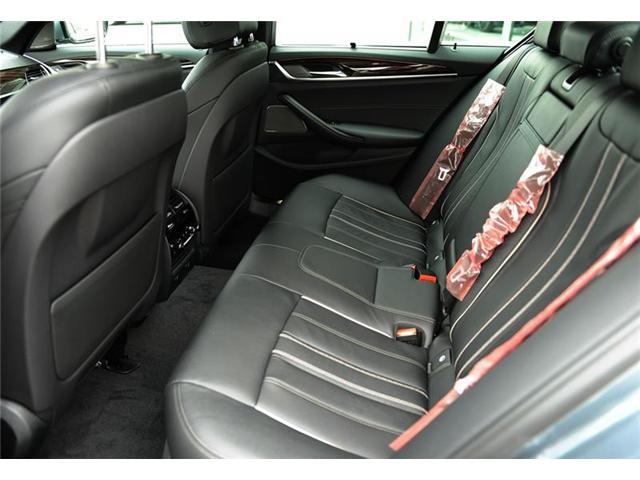 2018 BMW 530 i xDrive (Stk: 8A72379) in Brampton - Image 8 of 12
