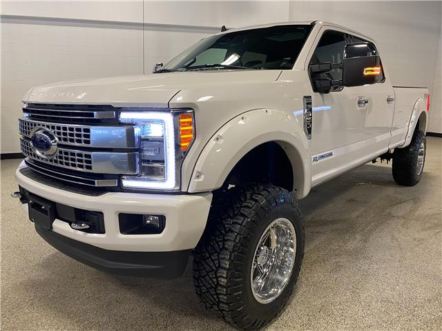 2019 Ford F-350 Platinum (Stk: B12572) in Calgary - Image 1 of 25