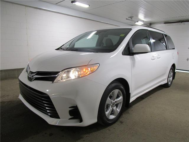 2020 Toyota Sienna LE 8-Passenger (Stk: 203629) in Regina - Image 1 of 25
