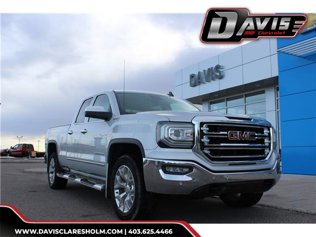 2017 GMC Sierra 1500 SLT (Stk: 196919) in Claresholm - Image 1 of 23