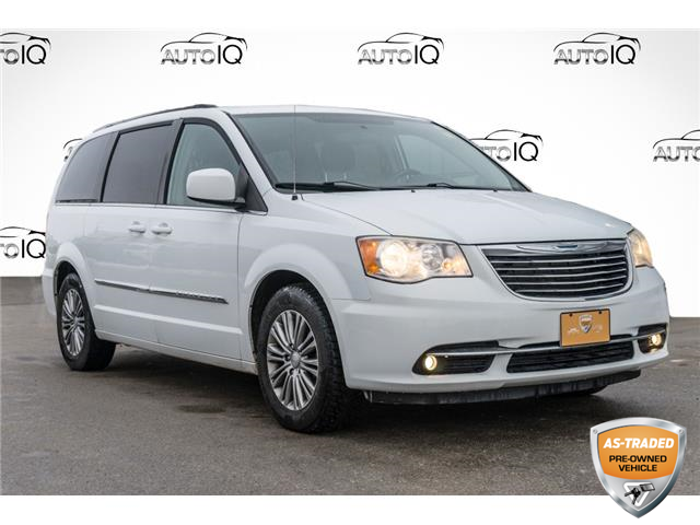 2014 Chrysler Town & Country Touring-L (Stk: 10745AUXJ) in Innisfil - Image 1 of 24