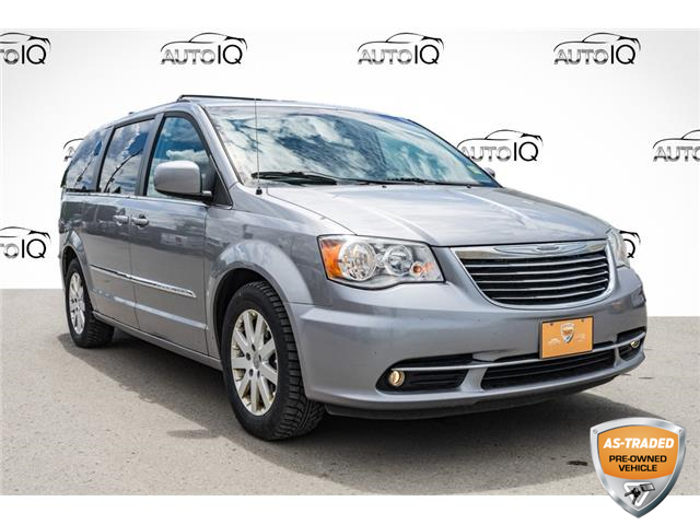 2016 Chrysler Town & Country Touring (Stk: 43526DAUXZ) in Innisfil - Image 1 of 23