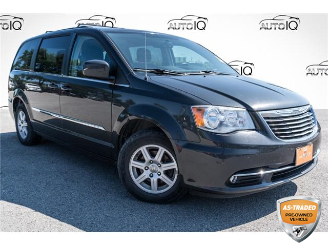 2012 Chrysler Town & Country Touring (Stk: 35126AURZ) in Barrie - Image 1 of 26