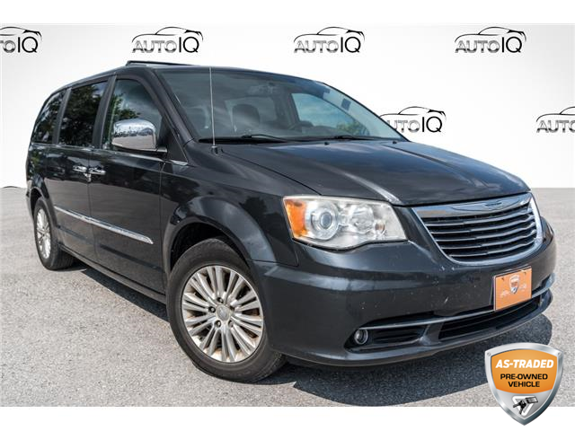 2012 Chrysler Town & Country Limited (Stk: 27989UZ) in Barrie - Image 1 of 29