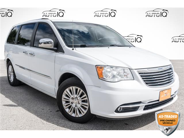 2015 Chrysler Town & Country Premium (Stk: 27924AU) in Barrie - Image 1 of 28