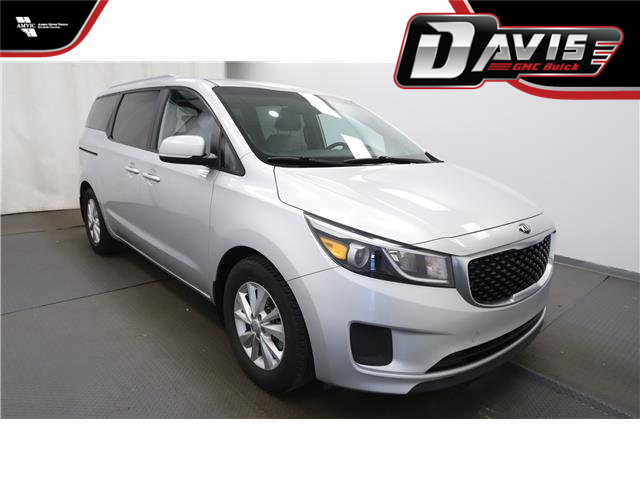 2016 Kia Sedona LX (Stk: 226538) in Lethbridge - Image 1 of 27