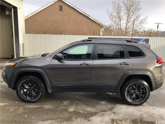 2018 Jeep Cherokee Trailhawk (Stk: 12180) in Fort Macleod - Image 2 of 23