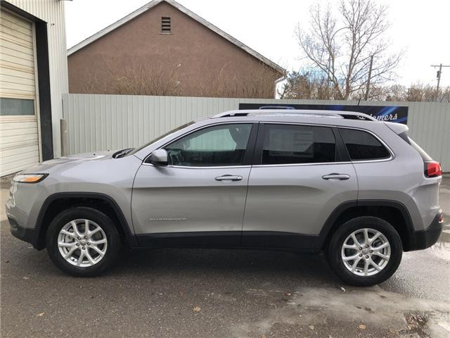 2018 Jeep Cherokee North (Stk: 12185) in Fort Macleod - Image 2 of 19