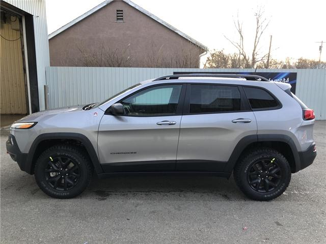 2018 Jeep Cherokee Trailhawk (Stk: 12407) in Fort Macleod - Image 2 of 21