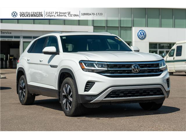 2020 Volkswagen Atlas Cross Sport 3.6 FSI Comfortline (Stk: 00227) in Calgary - Image 1 of 44
