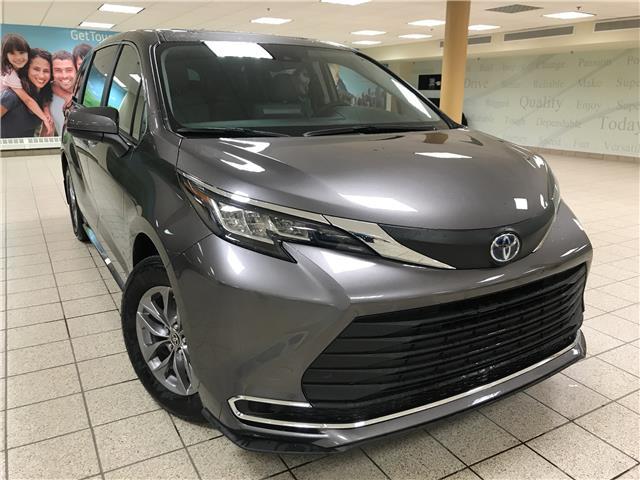 2021 Toyota Sienna  (Stk: 210291) in Calgary - Image 1 of 21