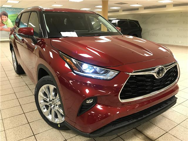 2021 Toyota Highlander Limited (Stk: 210555) in Calgary - Image 1 of 24