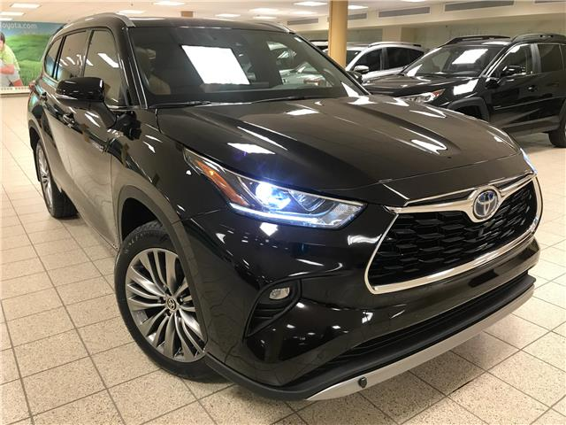 2021 Toyota Highlander Hybrid Limited (Stk: 210584) in Calgary - Image 1 of 22