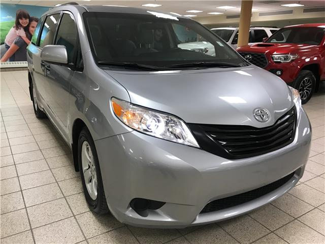 2017 Toyota Sienna  (Stk: 201497A) in Calgary - Image 1 of 20