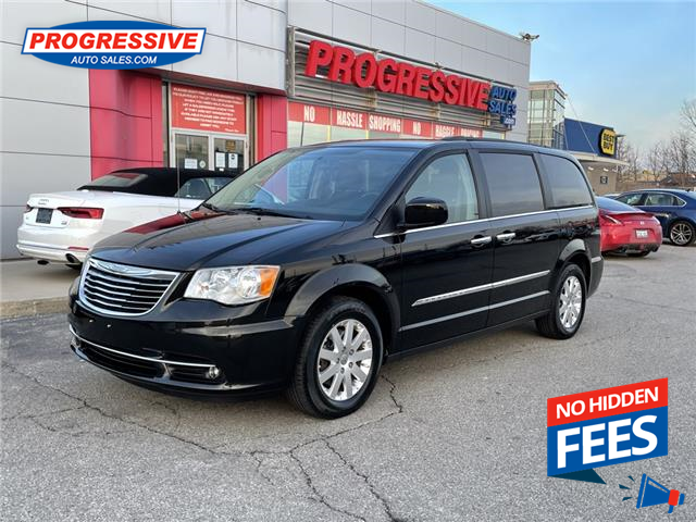 2016 Chrysler Town & Country Touring (Stk: GR270125) in Sarnia - Image 1 of 25