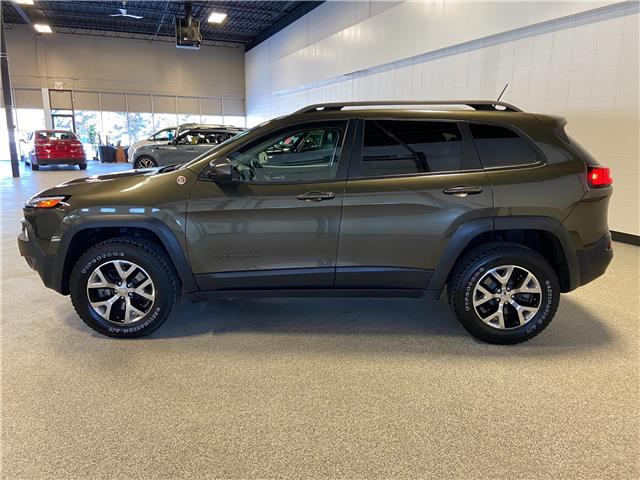 2015 Jeep Cherokee Trailhawk (Stk: P12603) in Calgary - Image 1 of 26