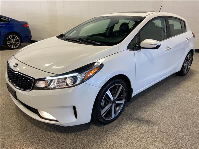 2017 Kia Forte 2.0L EX Luxury (Stk: TR12653) in Calgary - Image 1 of 24