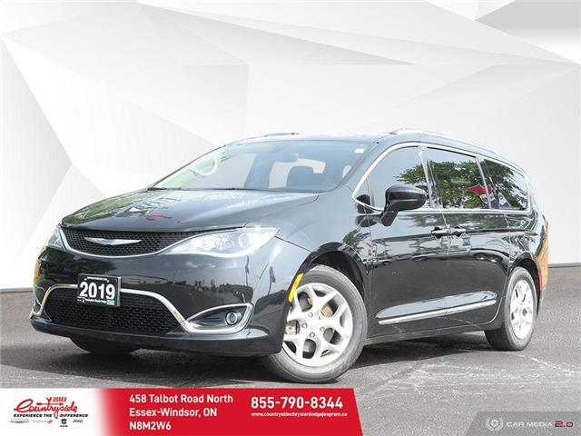 2019 Chrysler Pacifica Touring-L (Stk: 61000) in Essex-Windsor - Image 1 of 30