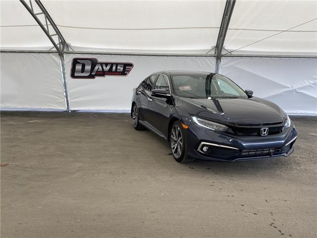 2019 Honda Civic Touring (Stk: 190380) in AIRDRIE - Image 1 of 17