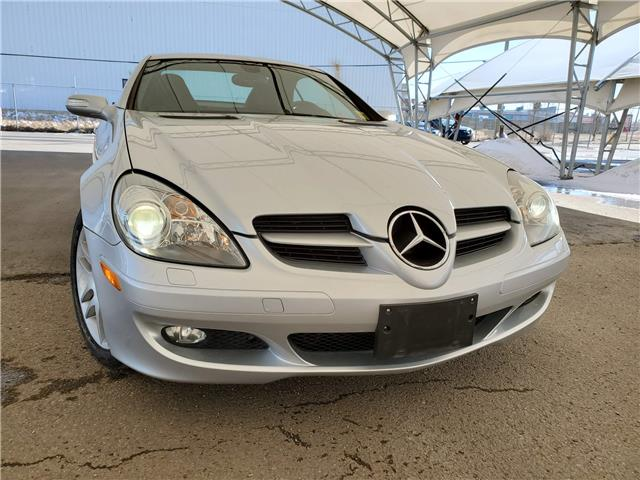 2008 Mercedes-Benz SLK-Class Base WDBWK56F48F188820 190030 in AIRDRIE