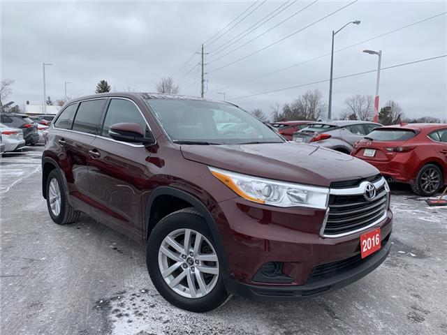2016 Toyota Highlander LE (Stk: P2398) in Whitchurch-Stouffville - Image 1 of 14