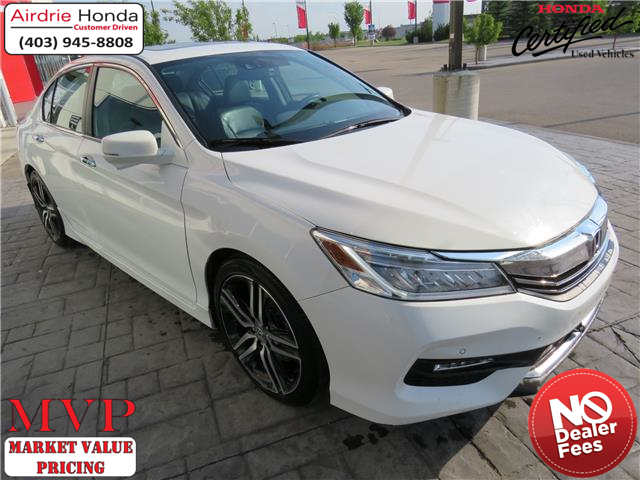 2017 Honda Accord Touring (Stk: 210152A) in Airdrie - Image 1 of 8