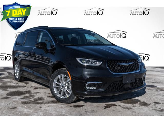 2021 Chrysler Pacifica Touring (Stk: 34825) in Barrie - Image 1 of 25