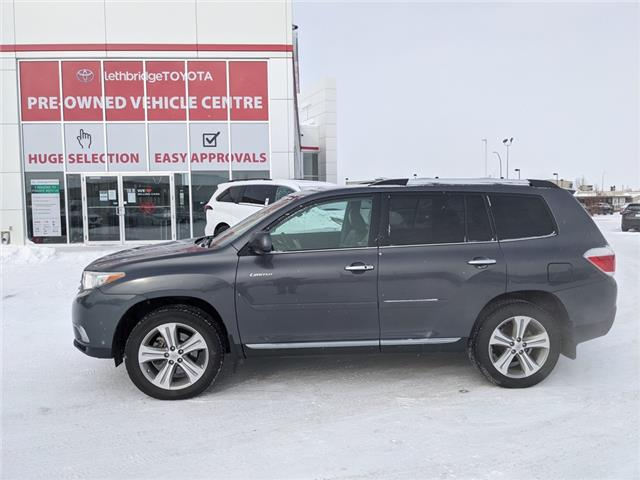 2013 Toyota Highlander V6 Limited (Stk: UT2822B) in Lethbridge - Image 1 of 5