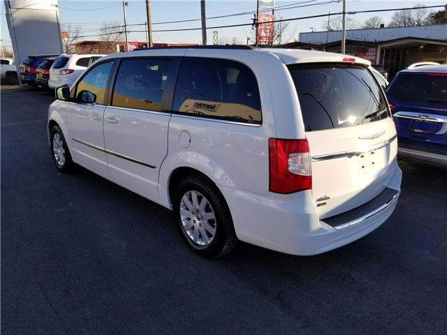 2014 Chrysler Town and Country Touring (Stk: p18-039a) in Dartmouth - Image 2 of 10
