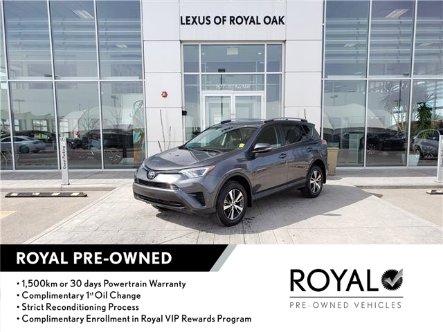 2018 Toyota RAV4 LE (Stk: L21010A) in Calgary - Image 1 of 20