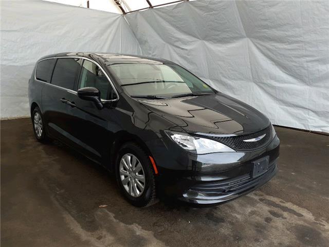 2018 Chrysler Pacifica L (Stk: 2111532) in Thunder Bay - Image 1 of 18