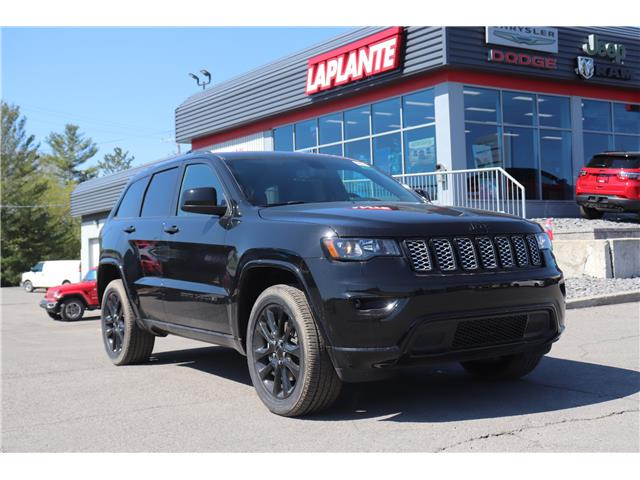 2021 Jeep Grand Cherokee Laredo (Stk: 21093) in Embrun - Image 1 of 26