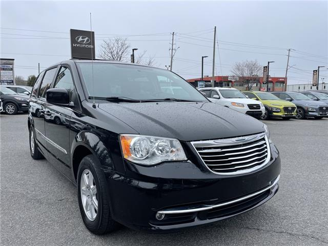 2012 Chrysler Town & Country Touring (Stk: R10693A) in Ottawa - Image 1 of 22