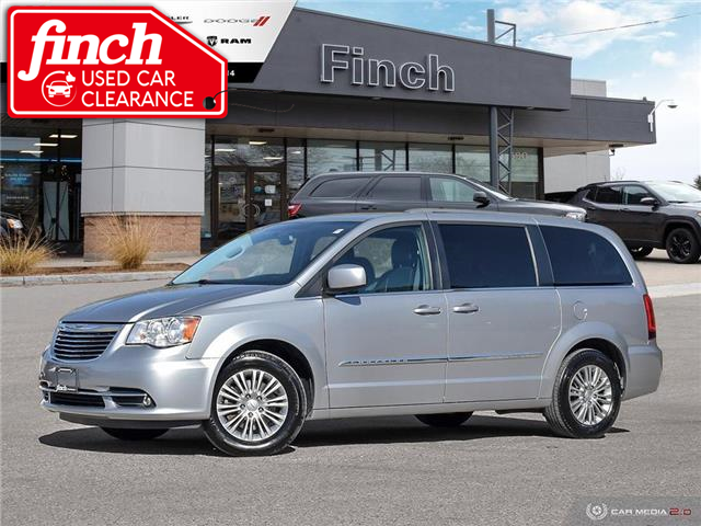 2015 Chrysler Town & Country Touring-L (Stk: 78928) in London - Image 1 of 27