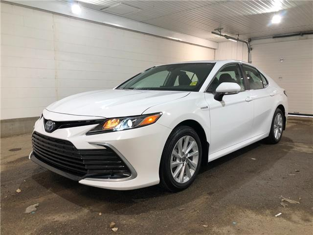 2021 Toyota Camry Hybrid LE (Stk: 211080) in Regina - Image 1 of 24
