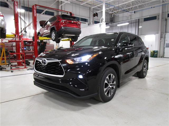 2021 Toyota Highlander XLE (Stk: 219015) in Moose Jaw - Image 1 of 31