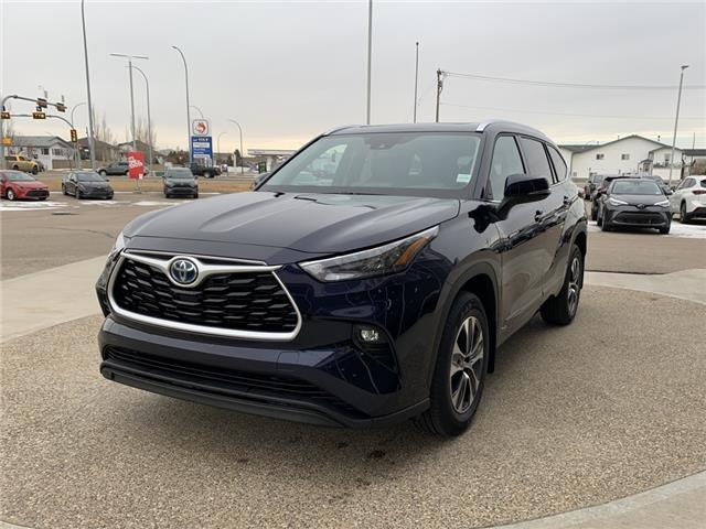 2021 Toyota Highlander Hybrid XLE (Stk: GB4844) in Medicine Hat - Image 1 of 24