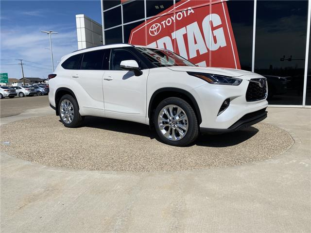 2021 Toyota Highlander Limited (Stk: DZ1099) in Medicine Hat - Image 1 of 17