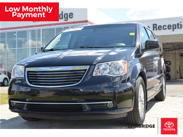 2016 Chrysler Town & Country Touring-L (Stk: 1SI2252B) in Lethbridge - Image 1 of 30