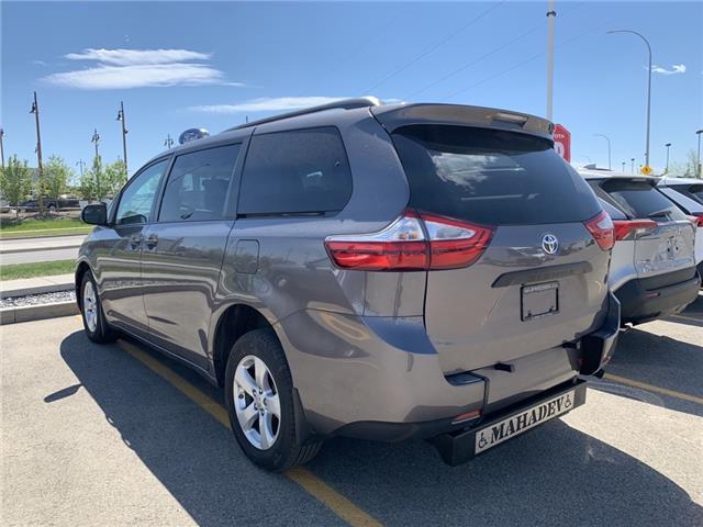 2017 Toyota Sienna 7 Passenger (Stk: 3464) in Cochrane - Image 1 of 6
