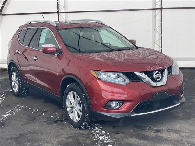 2016 Nissan Rogue SV (Stk: 17191AZ) in Thunder Bay - Image 1 of 17