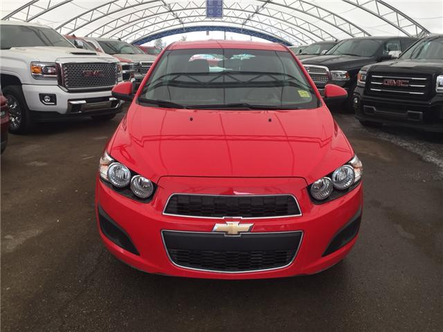2015 Chevrolet Sonic LS Auto (Stk: 150687) in AIRDRIE - Image 2 of 18